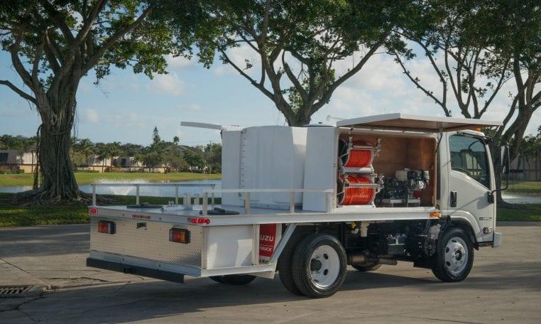 0Isuzu NPR-HD Spray Truck